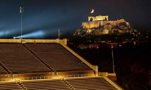 LIVE NOW: O Dior στο Καλλιμάρμαρο και όλος ο κόσμος βλέπει Αθήνα!