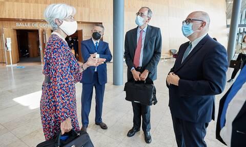 Κρίσημη συνάντηση για το το νέο πλαίσιο νομισματικής πολιτικής που θα εφαρμόσει η ΕΚΤ