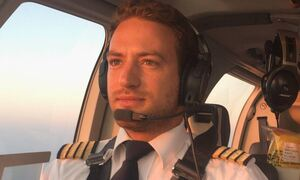 Γλυκά Νερά: Θα ζητήσει την επιμέλεια της κόρης του ο πιλότος όταν αποφυλακιστεί