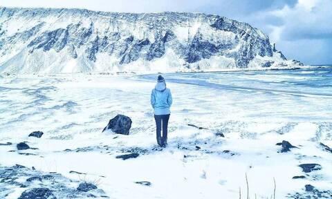 Πώς είναι να περνάς το lockdown στο απόλυτο σκοτάδι της Αρκτικής για 2 μήνες-Η Βαλεντίνα Μιόζο ξέρει