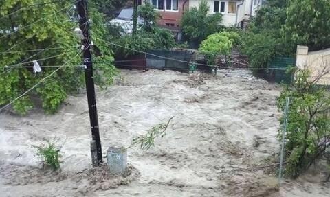 Βιβλική καταστροφή: Εκκενώσεις περιοχών στην Κριμαία λόγω σφοδρών πλημμυρών