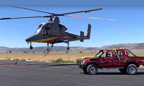 Ένα Toyota Hilux γίνεται ιπτάμενο