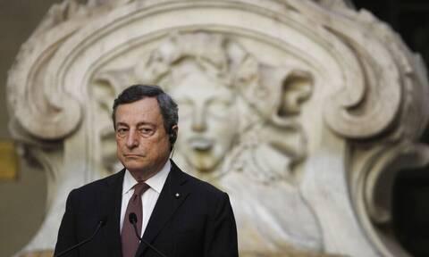 Ιταλία: Αλλάζει το AstraZeneca ο Μάριο Ντράγκι - Με άλλο σκεύασμα η 2η δόση