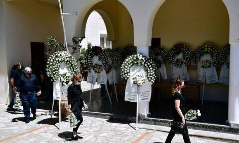 Γλυκά Νερά: Φίλος της οικογένειας - «Η σκηνή στην κηδεία που μάς έβαλε σε σκέψεις για τον Μπάμπη»