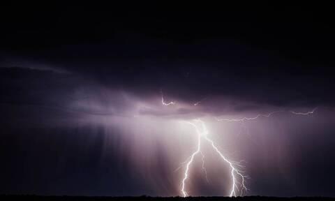 Τραγωδία στο Μέτσοβο: Νεκρός 37χρονος από κεραυνό - Έκατσε κάτω από δέντρο την ώρα της καταιγίδας