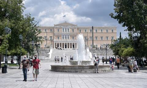 Κορονοϊός: Σύντομα η κατάργηση της μάσκας στους εξωτερικούς χώρους - Προνόμια για εμβολιασμένους
