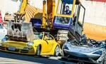 Δείτε πως καταστρέφουν πανάκριβα supercars στις Φιλιππίνες για παραδειγματισμό! (vid)
