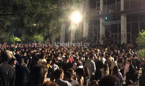 Θεσσαλονίκη: Νέο «κορονοξεσάλωμα» στο ΑΠΘ με εκατοντάδες φοιτητές