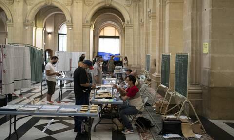 Γαλλία- Περιφερειακές εκλογές: Απογοητευτικά αποτελέσματα τόσο για Μακρόν όσο και για Λεπέν
