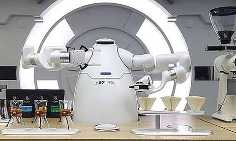 Έφτιαξαν ρομπότ που φτιάχνει τον κορυφαίο καφέ στον κόσμο