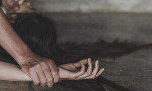 Κολωνάκι: 29χρονη εργαζόμενη σε μπαρ κατήγγειλε βιασμό από πελάτη - Τι απαντά ο 45χρονος