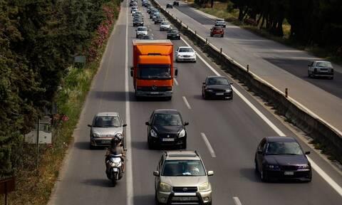 Βαριές «καμπάνες» σε 330 οδηγούς που κινούνταν στη ΛΕΑ - Οι 218 καταγράφηκαν μέσω καμερών
