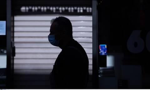 Πότε βγάζουμε τις μάσκες σε εξωτερικούς χώρους – Ποιες θα είναι οι εξαιρέσεις