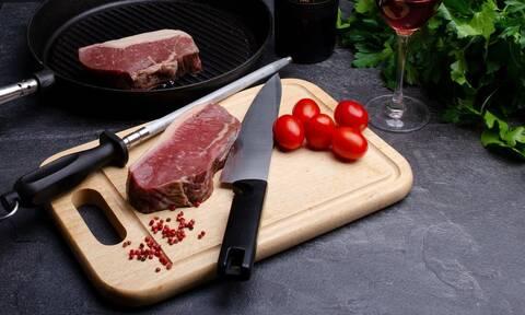 To κόλπο για να ξεπαγώσετε το κρέας σε λιγότερο από 15 λεπτά
