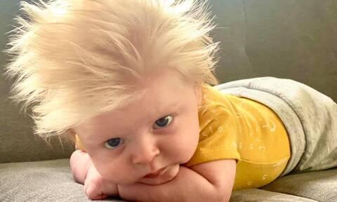 Μπόρις Τζόνσον: Ο ξανθός μπόμπιρας που του μοιάζει και έγινε viral (pics)