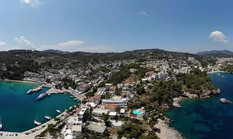 Έγκλημα στα Γλυκά Νερά: Ο δήμαρχος Αλοννήσου στο Newsbomb.gr για την επόμενη ημέρα στο νησί