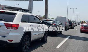 Κίνηση ΤΩΡΑ: Κυκλοφοριακό χάος στην εθνική οδό - Ποιοι άλλοι δρόμοι είναι στο «κόκκινο»