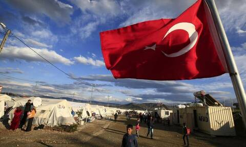 Με δέκα μασέλες ο Ερντογάν: Άλλα 3,5 δισ. μέχρι το 2024 στην Τουρκία για τους πρόσφυγες