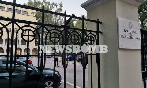 Μονή Πετράκη - Ρεπορτάζ Newsbomb.gr: Εδώ έγινε η επίθεση με βιτριόλι στους Μητροπολίτες