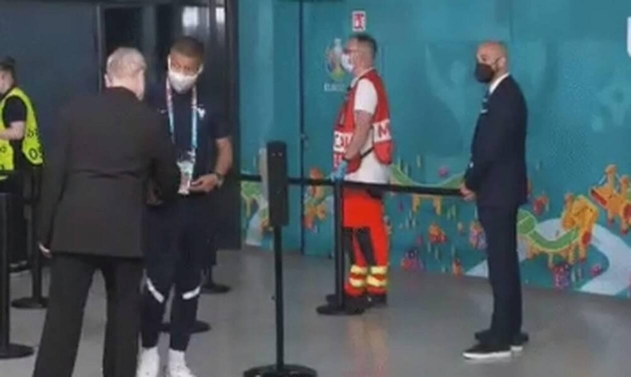 Euro 2020: Αδιανόητο σκηνικό με Εμπαπέ - Σεκιουρίτας τον σταμάτησε πριν μπει στο γήπεδο
