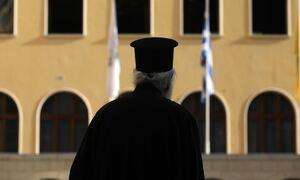 Αγρίνιο: Για βιασμό ανήλικης συνελήφθη ο 49χρονος ιερέας – Είχε και υλικό παιδικής πορνογραφίας