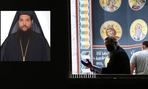 Επίθεση με βιτριόλι στη Μονή Πετράκη: Στο Δρομοκαΐτειο ο 37χρονος ιερομόναχος