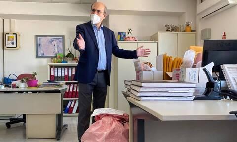 Οι δέκα υποθέσεις δημοσίων υπαλλήλων που εξόργισαν τον Κωστή Χατζηδάκη