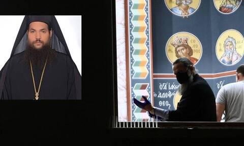 В Греции монах облил кислотой священников