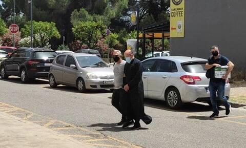 Αγρίνιο: Προθεσμία για τη Δευτέρα (28/6) πήρε ο ιερέας που κατηγορείται για βιασμό ανήλικης