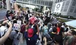 «Ακυρώστε τους Ολυμπιακούς Αγώνες»: Στους... δρόμους οι Ιάπωνες ένα μήνα πριν την τελετή έναρξης