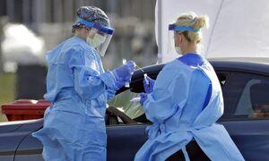 «Πονοκέφαλος» η μετάλλαξη «Δ» για κυβέρνηση και ειδικούς: Η μεταδοτικότητα και ο ρόλος των εμβολίων