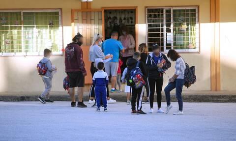 Σήμερα η λήξη της σχολικής χρονιάς για τους μαθητές σε Νηπιαγωγεία και Δημοτικά