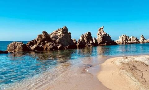 H πανέμορφη παραλία της Ελλάδος που νομίζεις ότι είσαι στο εξωτερικό!