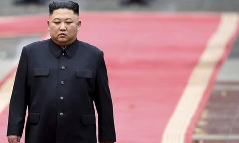Κιμ Γιονγκ Ουν: Ο απόλυτος ηγέτης ενός «κομμουνιστικού παράδεισου» που υποφέρει - Μύθοι και αλήθειες