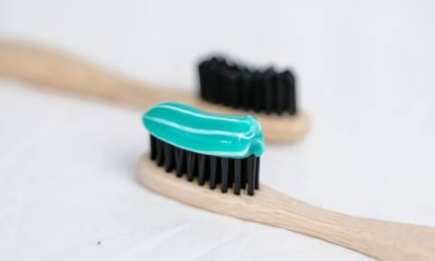 Οκτώ εναλλακτικές χρήσεις της οδοντόκρεμας που δε γνωρίζετε