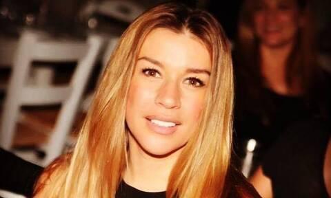 Συγκινεί η Έρρικα Πρεζεράκου για το ατύχημα με σκάφος: «Ήθελε να κάνει επίδειξη και εκσφενδονίστηκα»