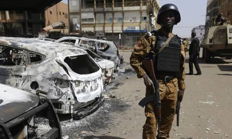 Φονική ένοπλη επίθεση με δεκάδες νεκρούς στον Νίγηρα, κοντά στα σύνορα με το Μάλι