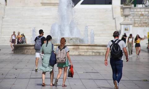 Καιρός: «Βράζει» η Ελλάδα από τον καύσωνα – Σε ποιες περιοχές η θερμοκρασία ξεπέρασε τους 42 βαθμούς