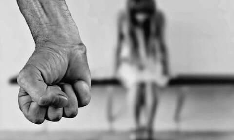 Βιασμός 19χρονης: Η ανακοίνωση της ΕΛ.ΑΣ. για τη σύλληψη των δραστών