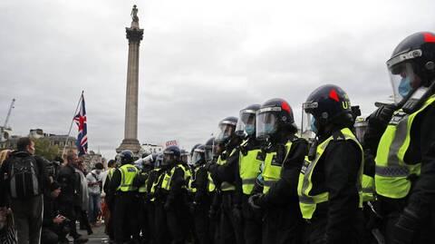 Κορονοϊός: Διαδήλωση στο Λονδίνο για την παράταση των περιορισμών λόγω μετάλλαξης Δέλτα