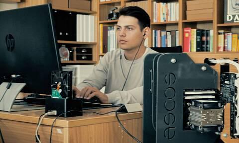 Δημήτρης Χατζής: Ο 22χρονος Καβαλιώτης που κατασκεύασε 3D εκτυπωτή, ρομπότ και οικολογικό κουτί PC