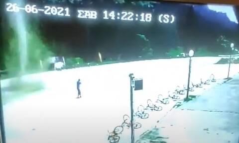 Ανεμοστρόβιλος χτύπησε στο Περτούλι εν μέσω καύσωνα (video)