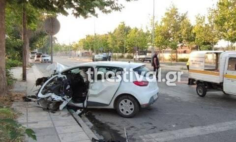 Τραγωδία στη Θεσσαλονίκη – Δύο νεκροί σε τροχαίο δυστύχημα (pics)