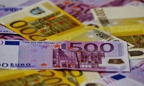 Σχεδόν 3 στα 10 ελληνικά νοικοκυριά βαρύνονται με δάνεια