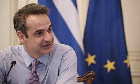 PM Mitsotakis presents 'Freedom Pass' for 18-25 year olds that get vaccinated