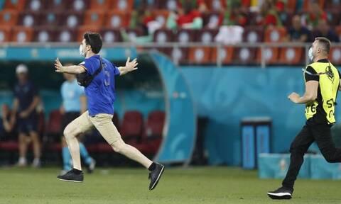 Euro 2020: «Εισβολέας» στο Γαλλία – Ελβετία, εξουδετερώθηκε από τους άνδρες ασφαλείας