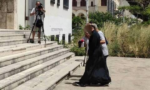 Αγρίνιο: 19χρονη εντοπίστηκε στη ντουλάπα του ιερέα που κατηγορείται για βιασμούς