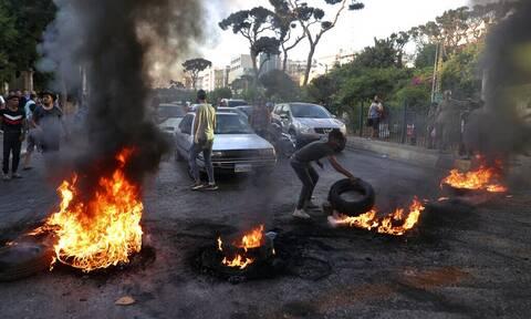Λίβανος: Στους δρόμους οι πολίτες με αφορμή την αύξηση στις τιμές των καυσίμων