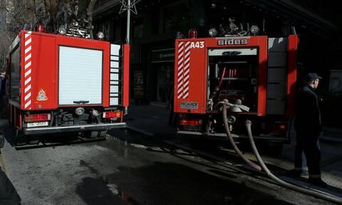 Αναστάτωση στη Θεσσαλονίκη: Στις φλόγες αποθήκη πλαστικών - χαρτικών