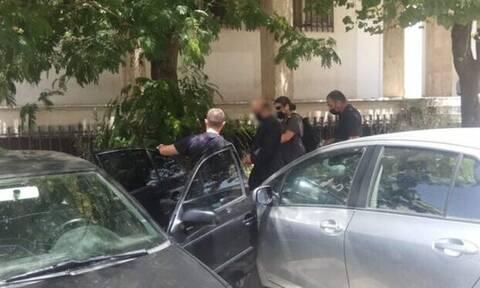 Αγρίνιο: Aπολογείται ο 49χρονος ιερέας που κατηγορείται για παιδική πορνογραφία και βιασμό